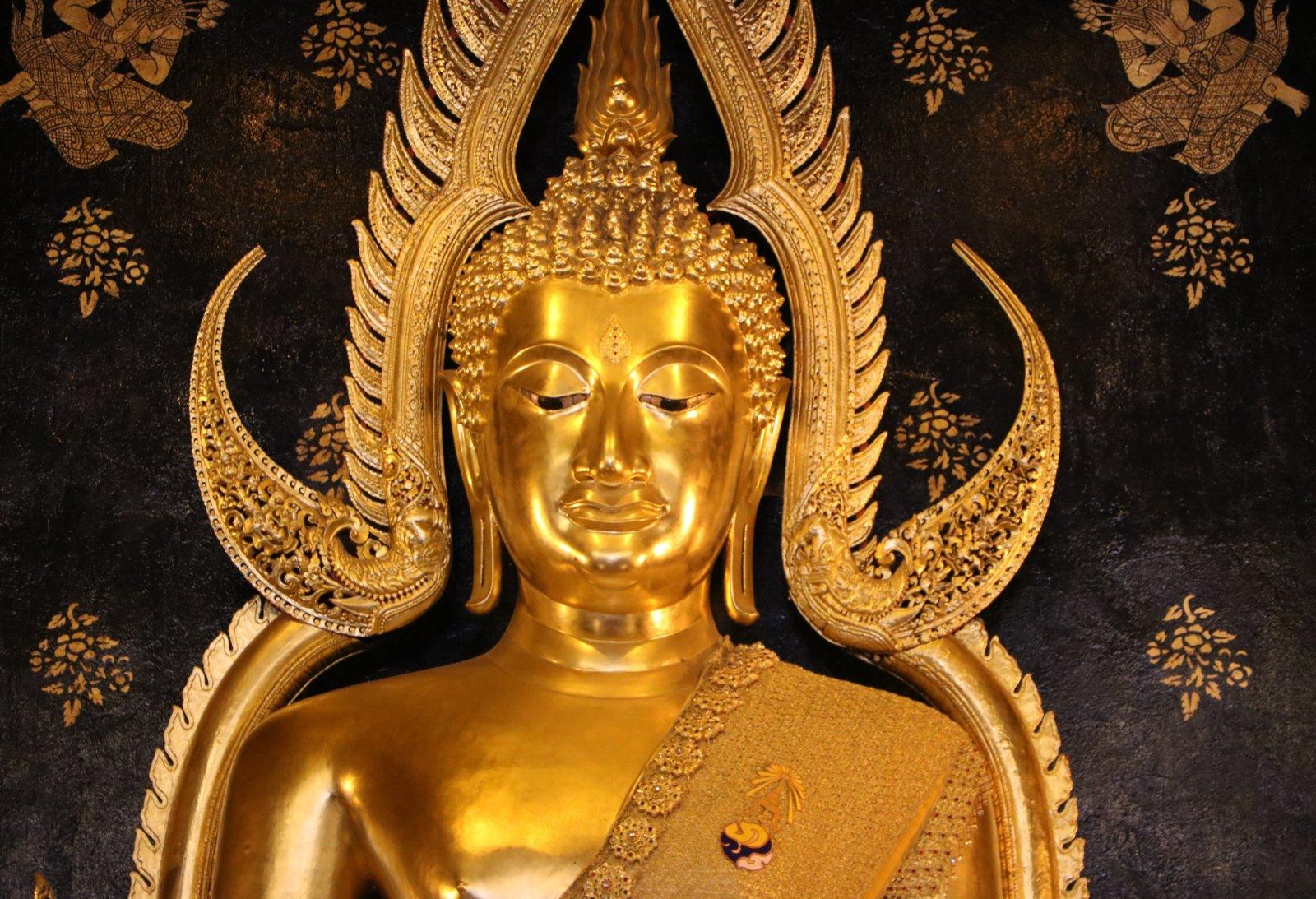 พระพุทธชินราช.jpg