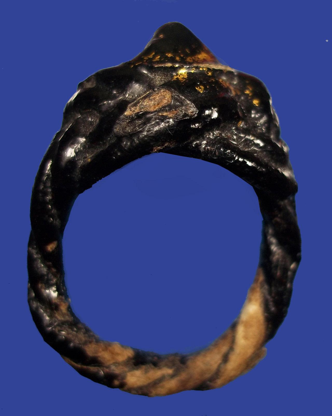 แหวนพิรอดหลวงปู่ยิ้ม (2).jpg