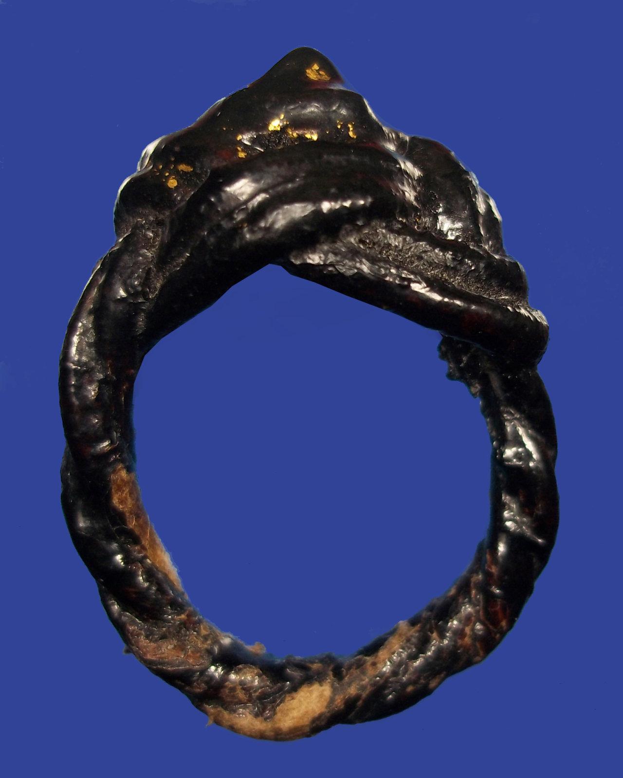แหวนพิรอดหลวงปู่ยิ้ม (3).jpg