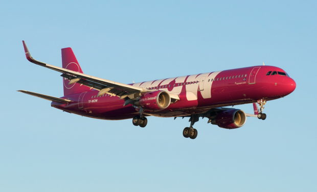 1621px-WOW_Air_Iceland_Airbus_A321_31074909346-620x376.jpg