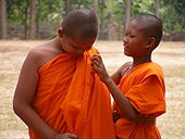 170px-Buddhist_monk_dresses_in_yellow_rope.jpg
