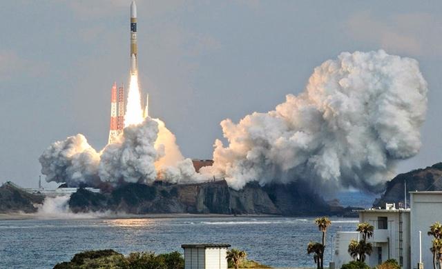 Japan-launches-latest-North-Korea-spy-satellite.jpg