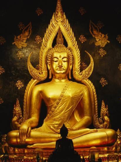 phra-phuttha-chinnarat-buddha-inside-wat-phra-sri-rattana-mahathat_u-l-p9c7tf0.jpg