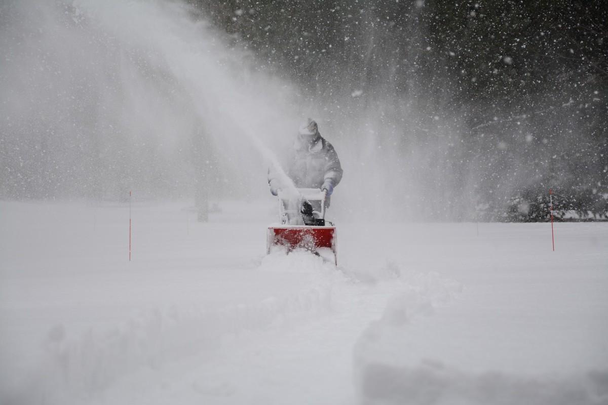snow-removal-1853220_1920.jpg