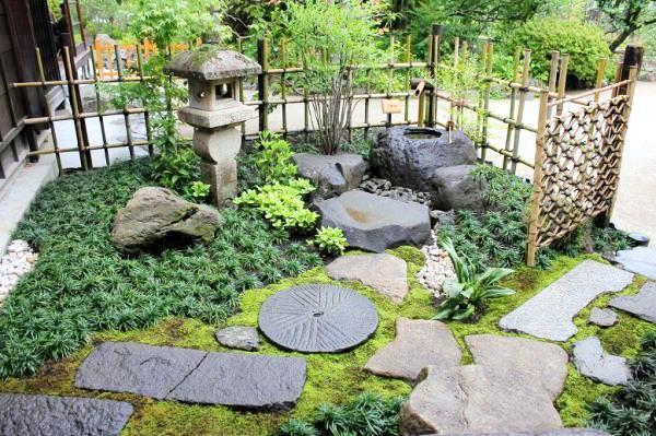 Wednesday garden_roji_2.jpg